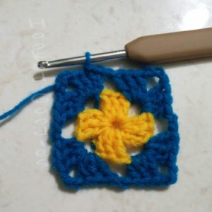 Crochet Basic Granny Square with 2 Rounds Complete