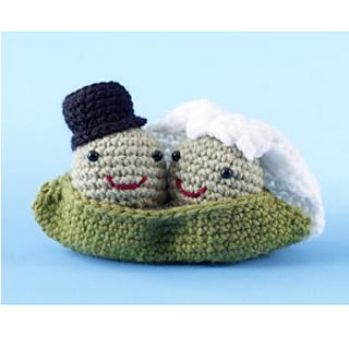 Just Married pattern by Uljana Semikrasa | Crochet wedding gift ... | 320x320