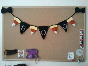 Free Crochet Patterns for a Halloween Banner with a BOO sign