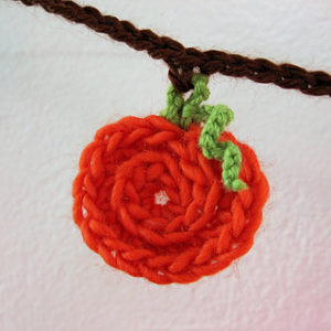 Free Crochet Patterns for a Halloween Banner in Pumpkin Style