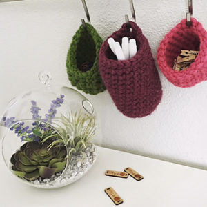 Free Crochet Patterns for Crochet Hanging Basket using Super Bulky/ Super Chunky Yarn