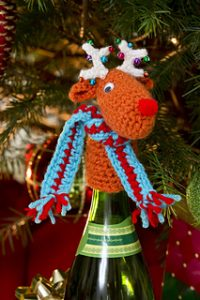 Free Crochet Patterns for Christmas Wine Bottle Decorations