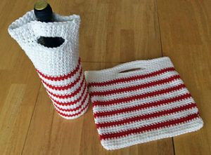 Free Crochet Patterns for Christmas Wine Bag, Carrier & Cozy