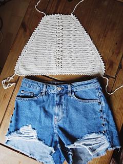 Crochet Crop Top Halter Neck Style Free Crochet Patterns in Single Colour